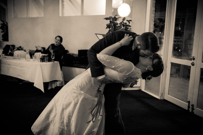 first dance, kiss